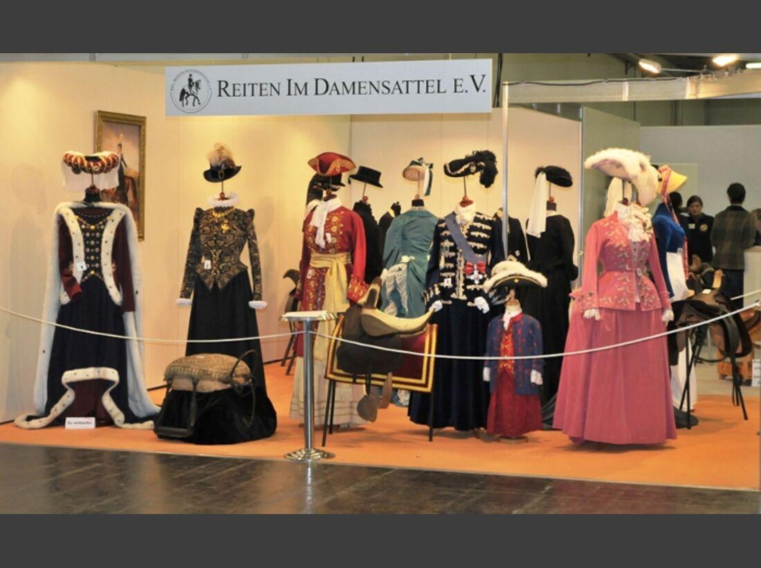 CAV Erstes Deutsches Damensattel Derby 2012