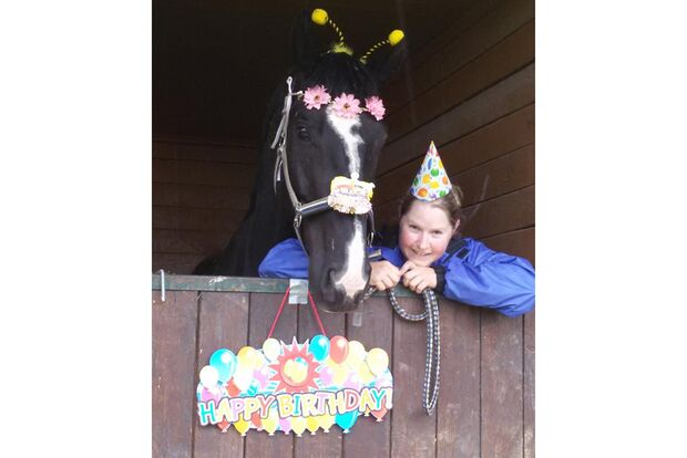 CAV Geburtstagspferde Sabrina Warridi