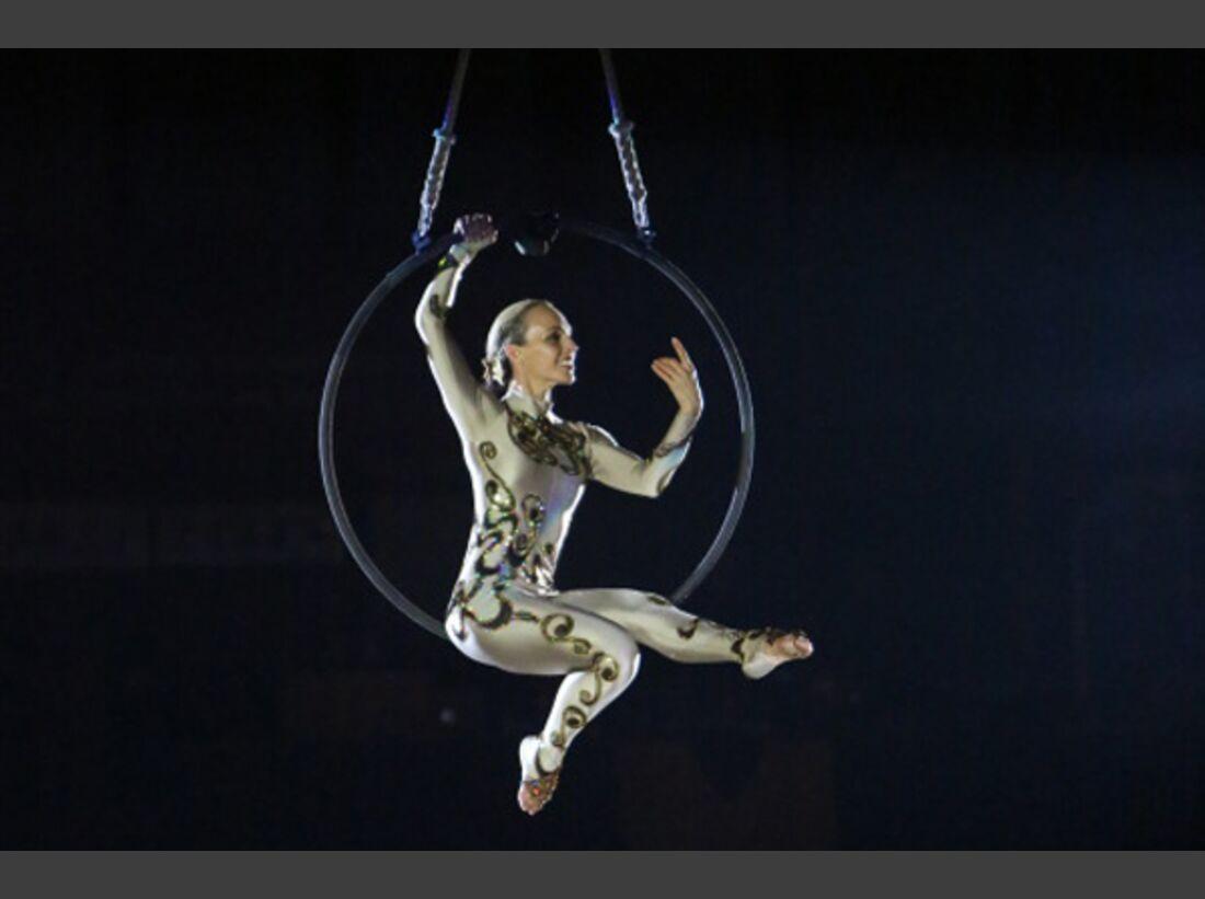 CAV Oliver Jubin Tanzende Beine Show 11