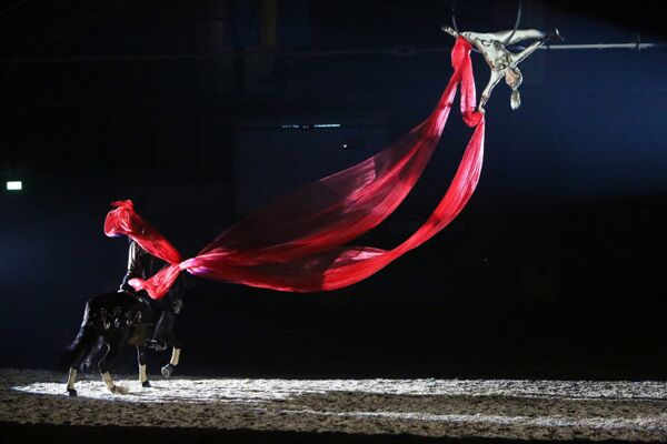 CAV Oliver Jubin Tanzende Beine Show 17