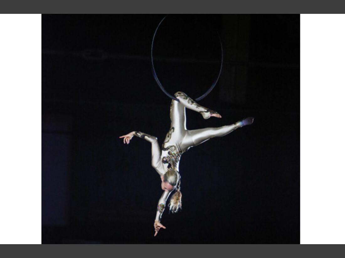 CAV Oliver Jubin Tanzende Beine Show 6